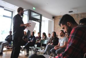 Ian Delù von der Medienagentur Sinnwerkstatt erklärt die Theorie